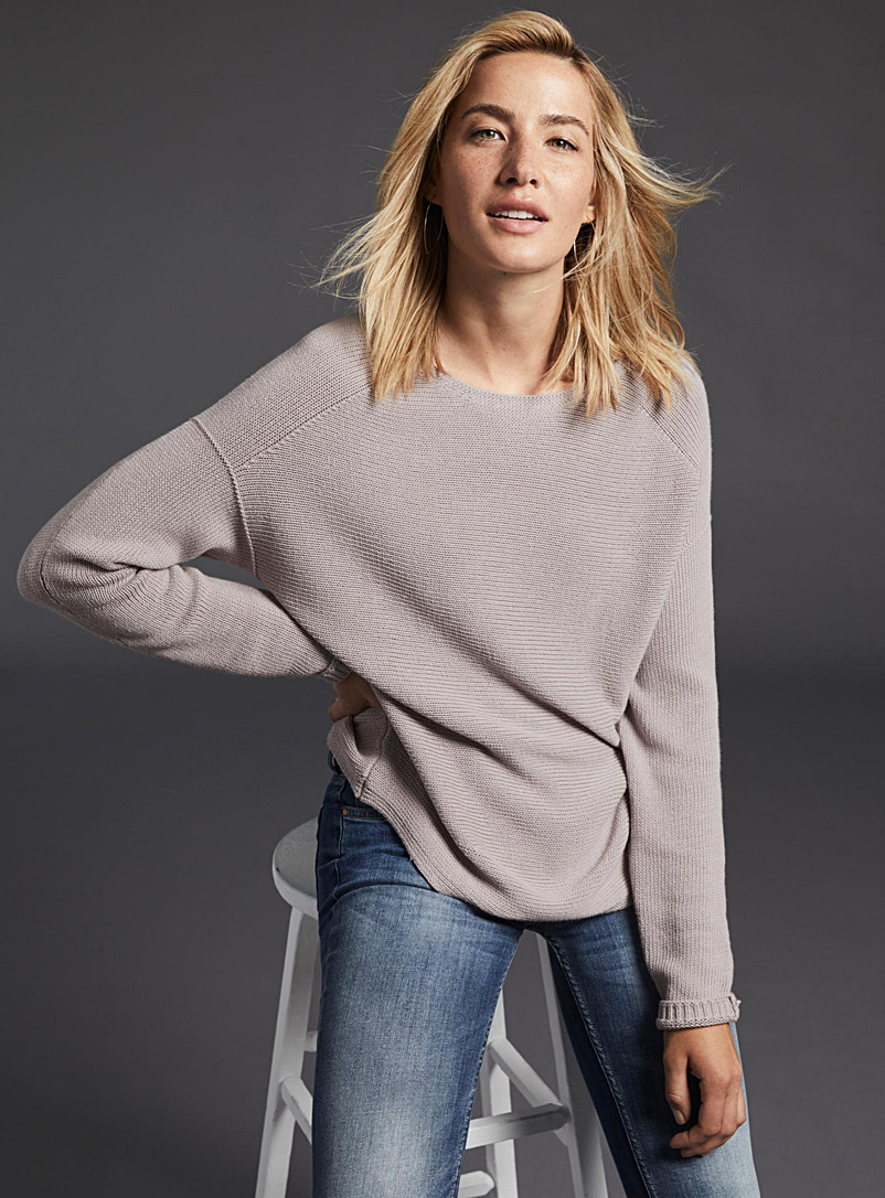 rounded-hem-oversized-sweater