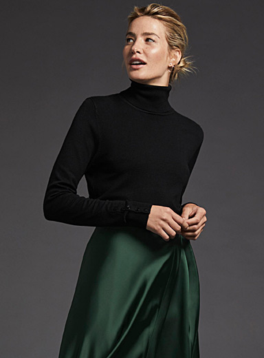 Button-cuff turtleneck sweater