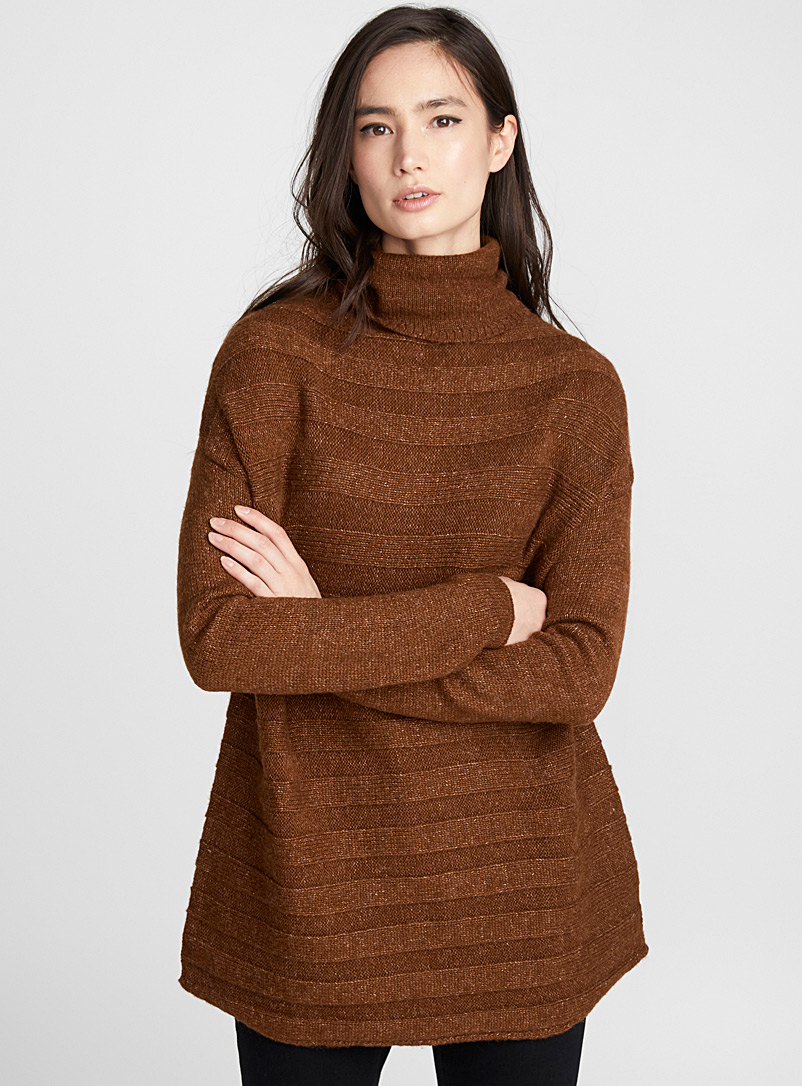 Embossed-stripe turtleneck - Sweaters - Dark Brown