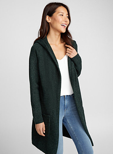 Le long cardigan à capuche