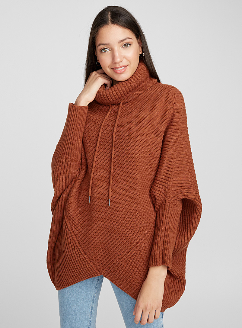 Ribbed turtleneck poncho - Capes & Ponchos - Brown
