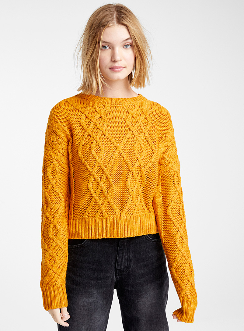 cropped-recycled-polyester-cable-sweater