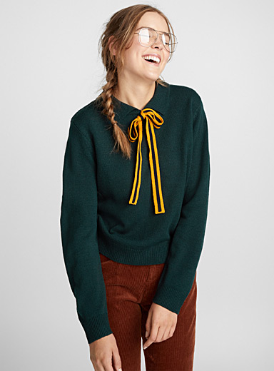 Accent bow polo sweater
