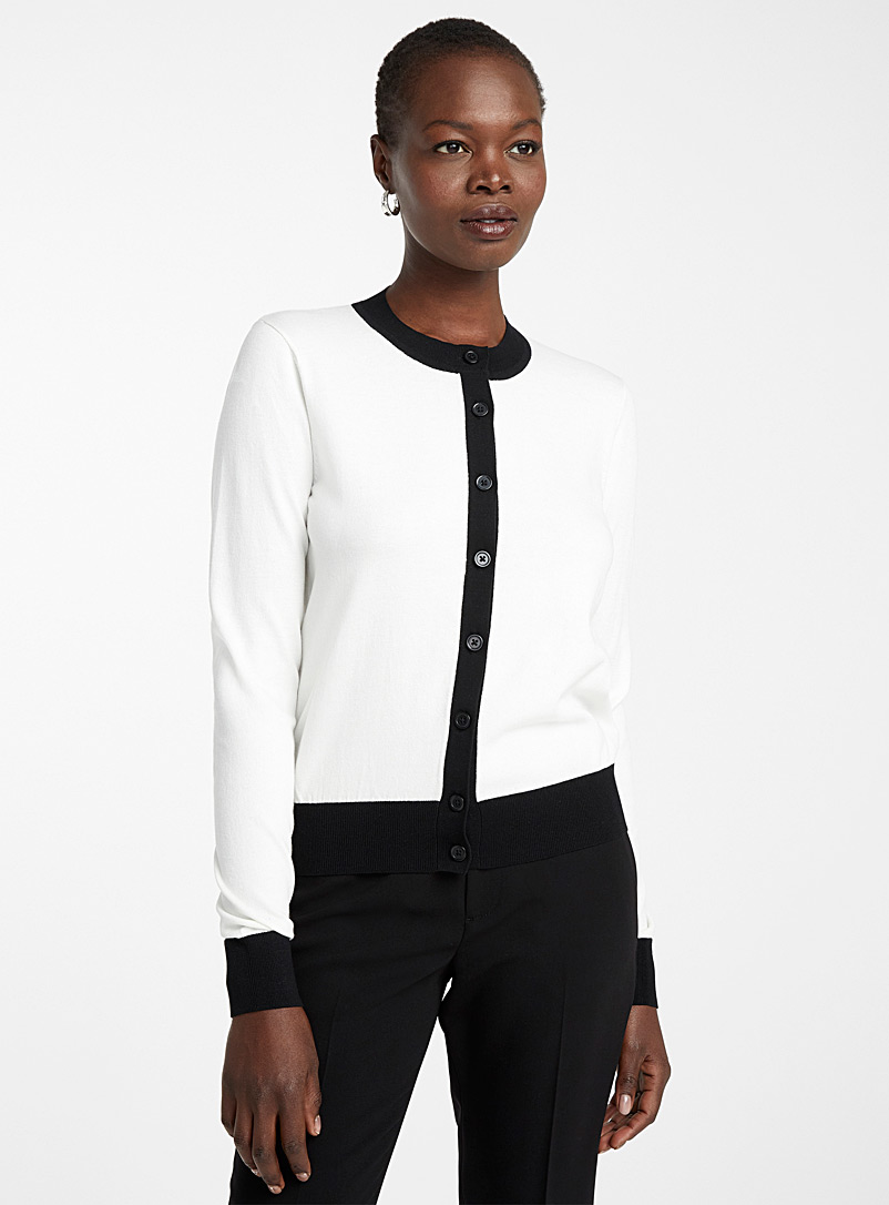Contemporaine Patterned White Buttoned crew neck cardigan for women