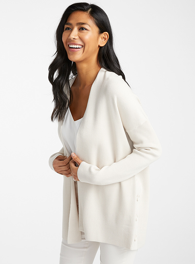side-button-ribbed-cardigan