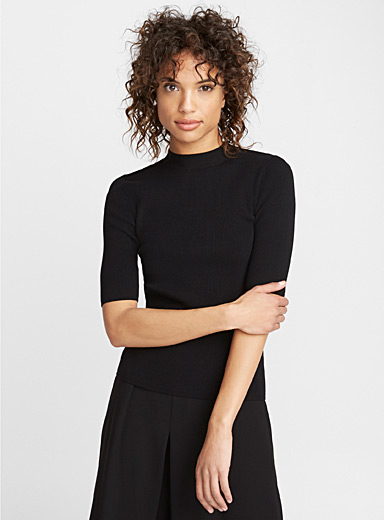 Ribbed elbow-length sleeve sweater
