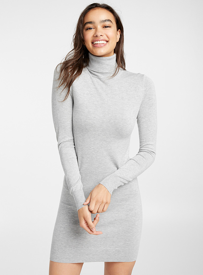 basic-fitted-turtleneck-dress