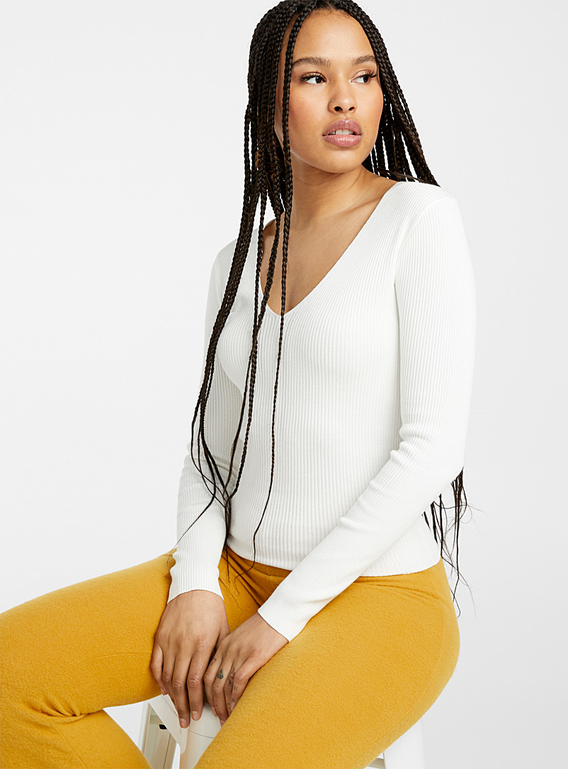 Twik Ivory White Finely ribbed V-neck sweater for women