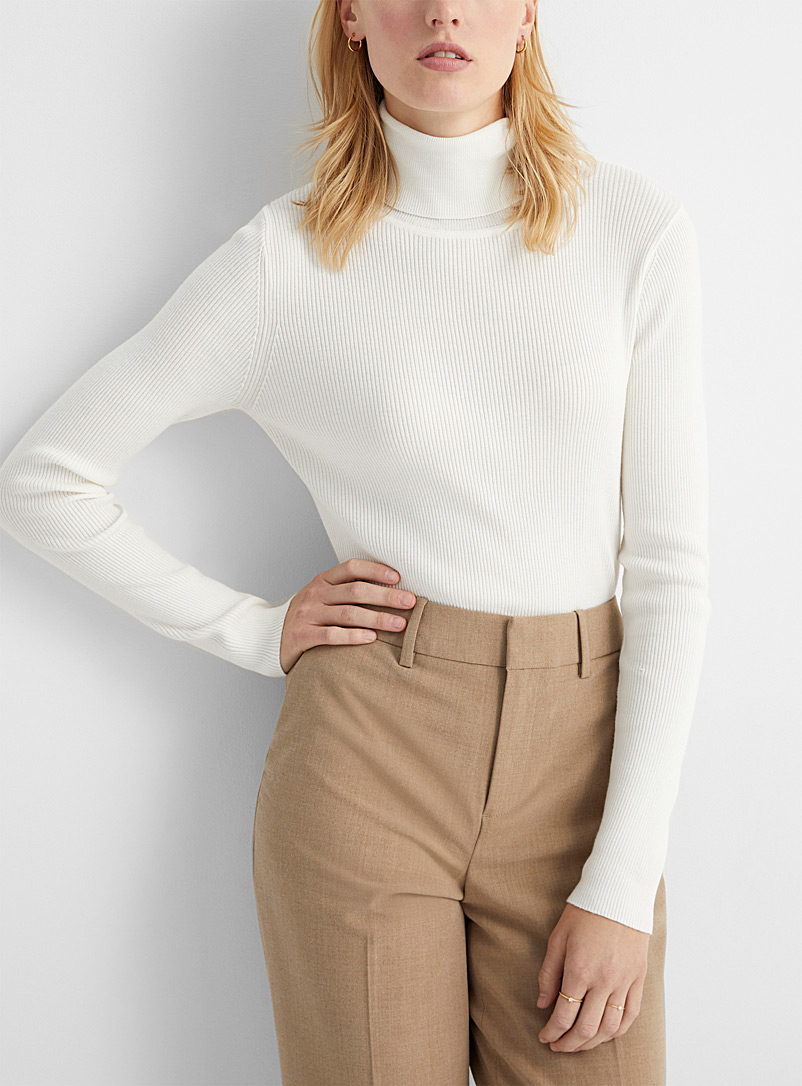 Contemporaine Ivory White Fitted ribbed turtleneck for women