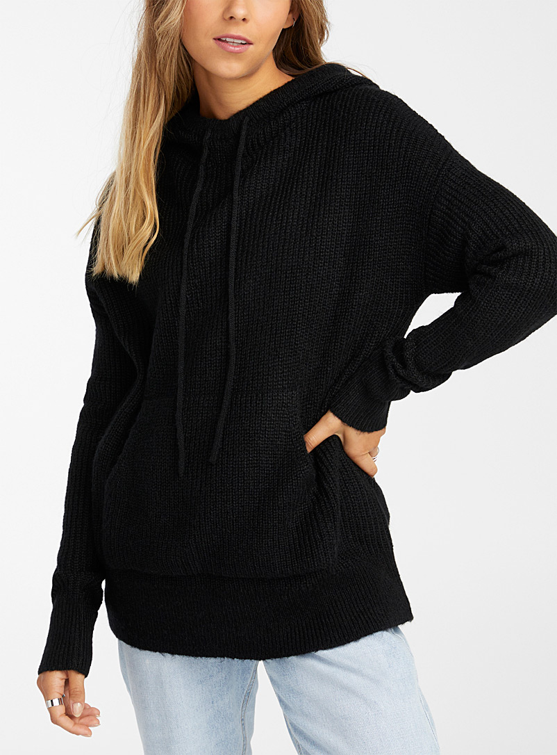 Ribbed knit hooded sweater