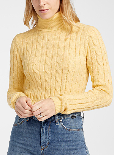 Contemporaine Light Yellow Twisted cable turtleneck for women