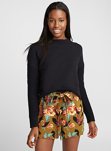 Cropped ottoman-sleeve sweater
