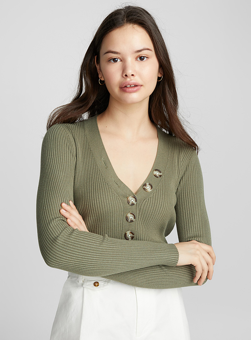 Shell-button V-neck sweater - Sweaters - Mossy Green