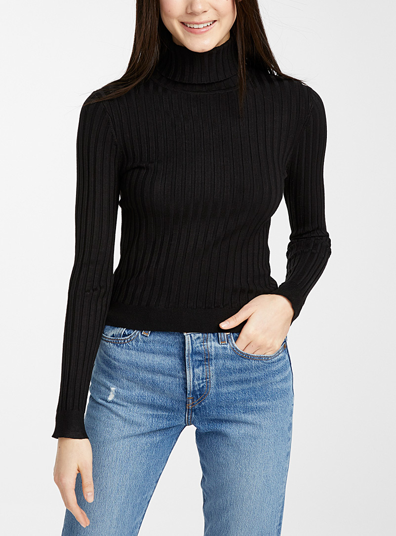 solid-ribbed-turtleneck