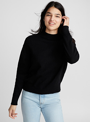 Solid wool mock neck