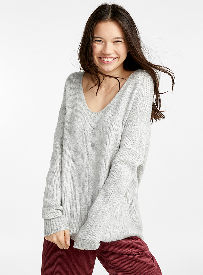 alpaca-wool-v-neck-sweater