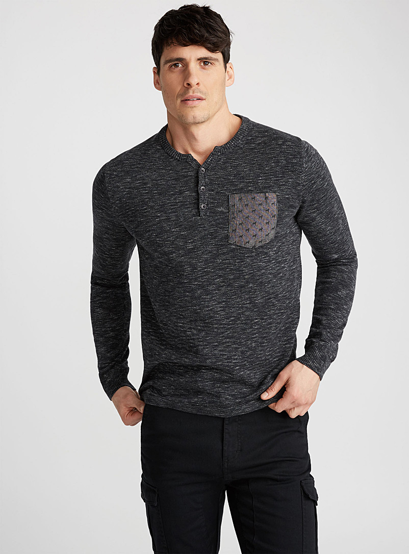 printed-pocket-sweater