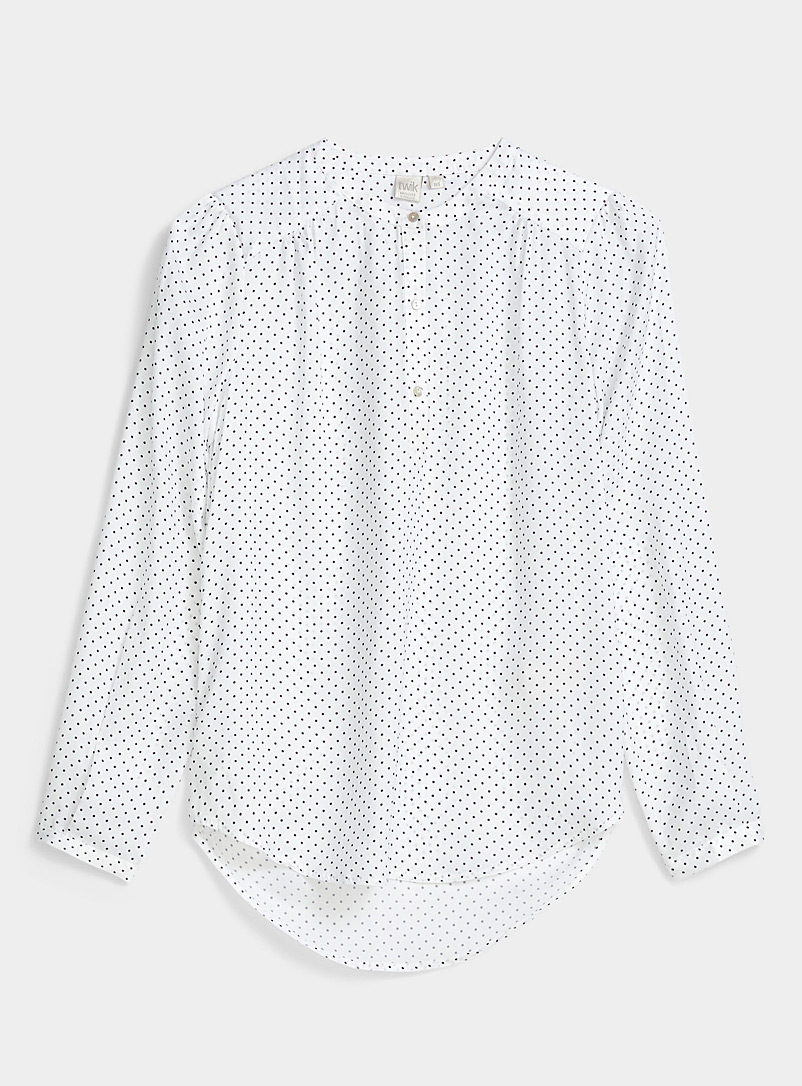 Three-button printed blouse