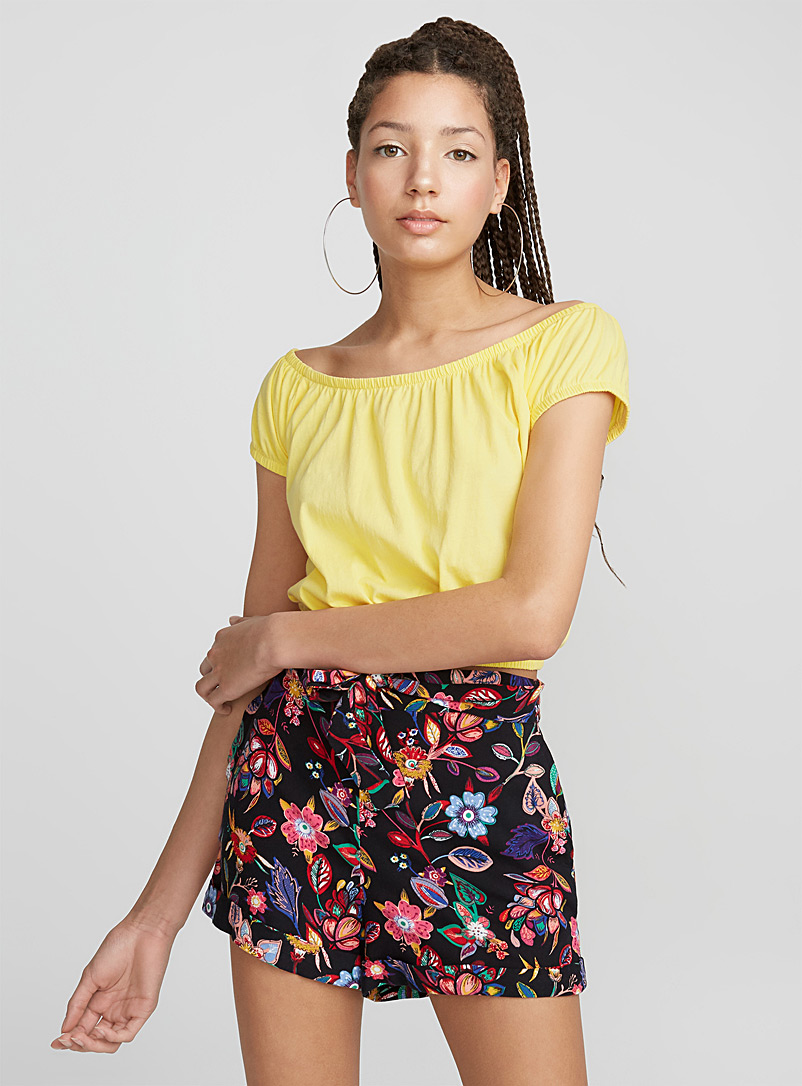 Cropped off-the-shoulder tee - Short Sleeves - Dark Yellow
