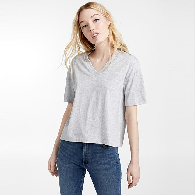 loose-organic-cotton-v-neck-tee