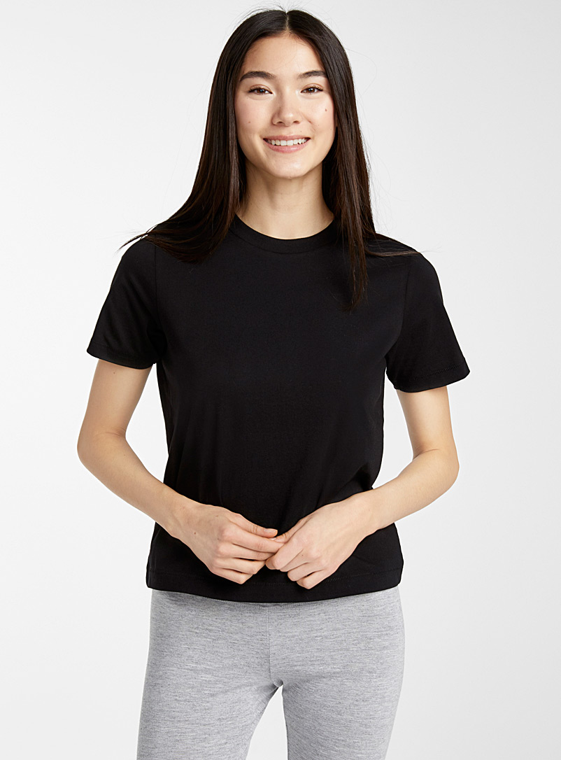 Solid organic cotton crew-neck tee