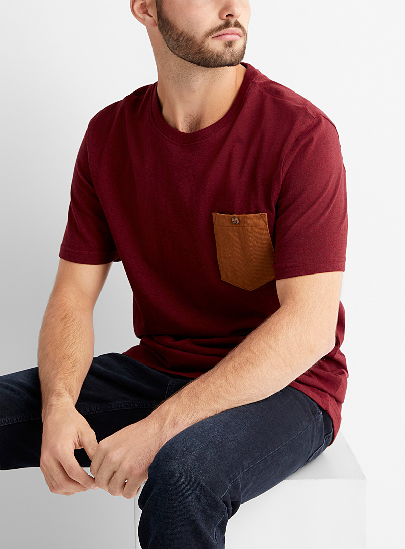 Le 31 Ruby Red Corduroy pocket T-shirt for men