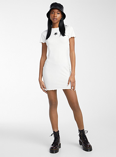 Ruffle and embroidery fitted dress