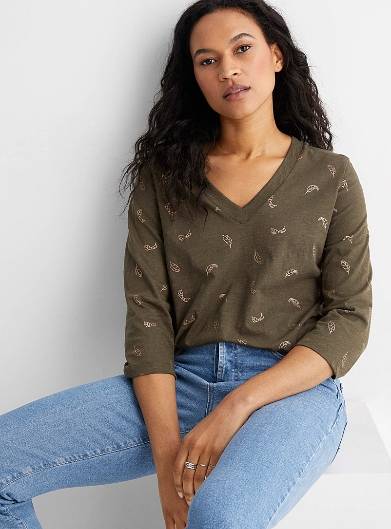 Contemporaine Patterned Green Metallic-pattern V-neck tee for women