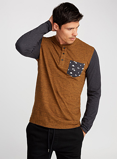 Nature pocket henley T-shirt