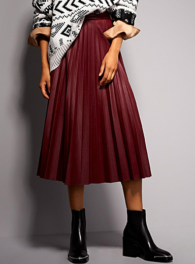 Faux-leather accordion-pleat skirt
