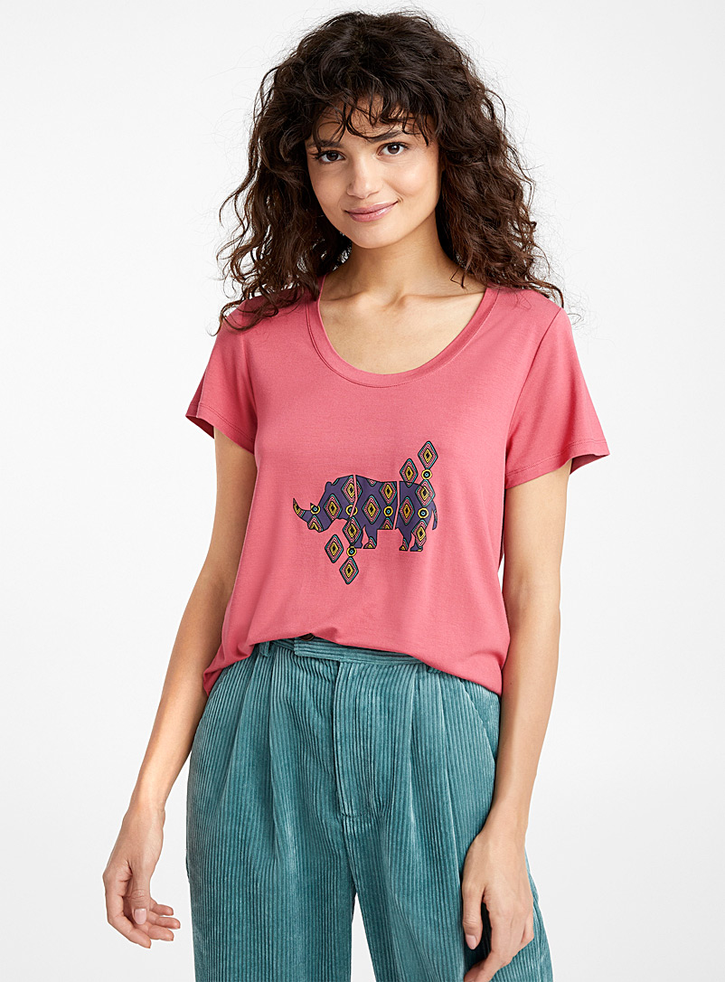 Accent pattern rayon tee - Short Sleeves & ¾ Sleeves - Patterned Crimson
