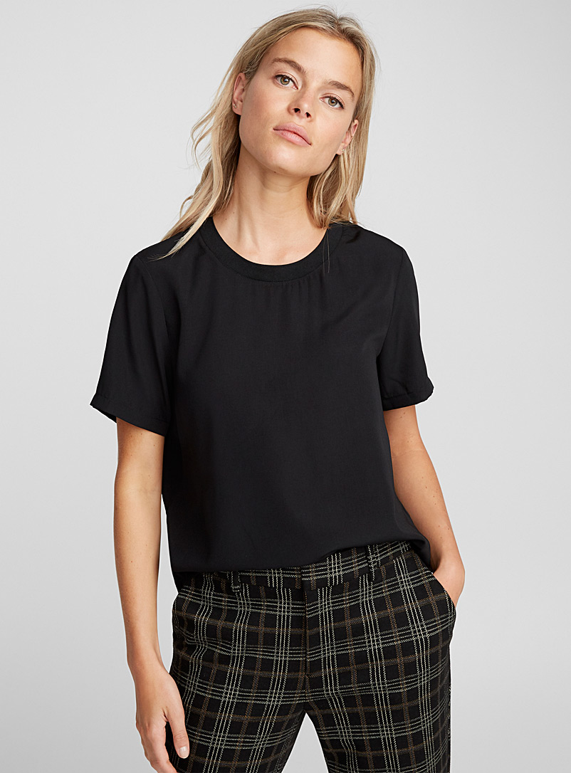 Icône Black Ribbed-collar boxy blouse for women