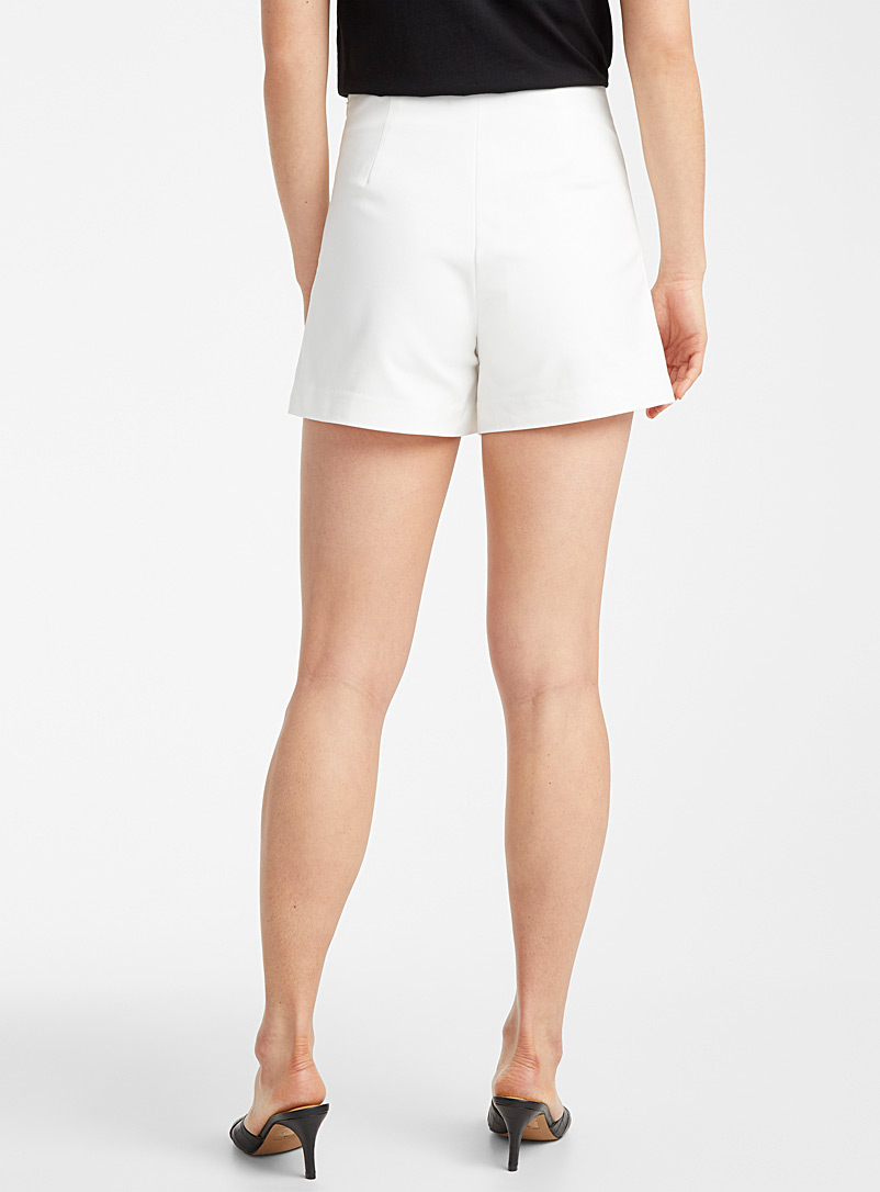 Icône Ivory White Stretch cotton short for women