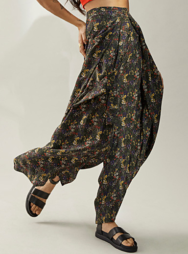 Pleated eco-friendly viscose wrap pant