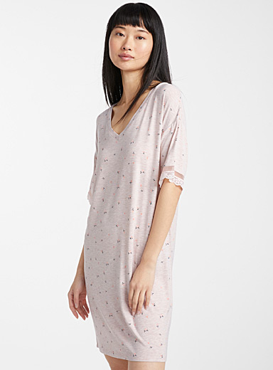 Bucolic-style nightgown