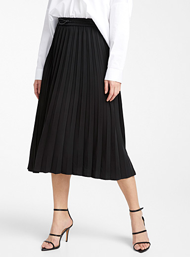 Recycled polyester toggle-waist skirt