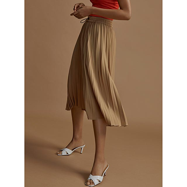 recycled-polyester-toggle-waist-skirt