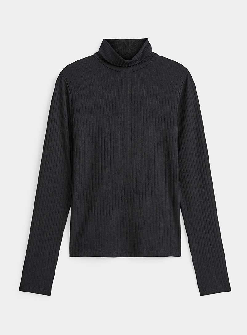 Basic ribbed turtleneck tee