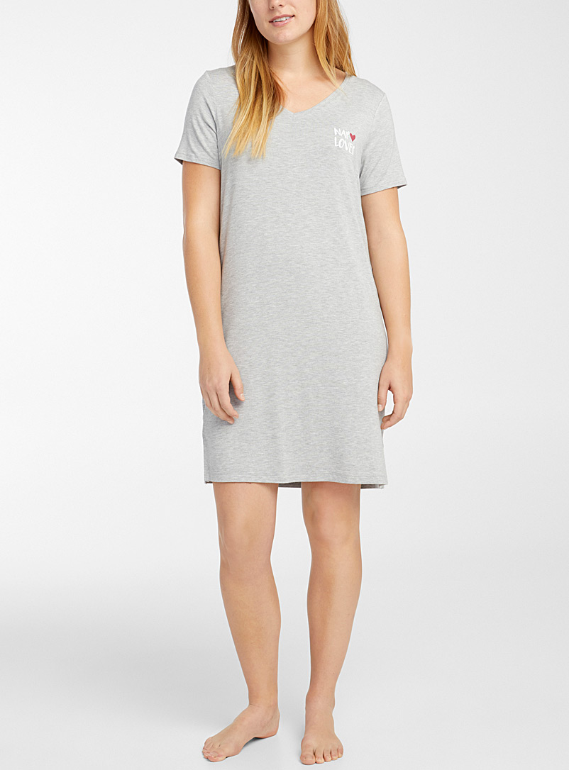 Message V-neck nightgown