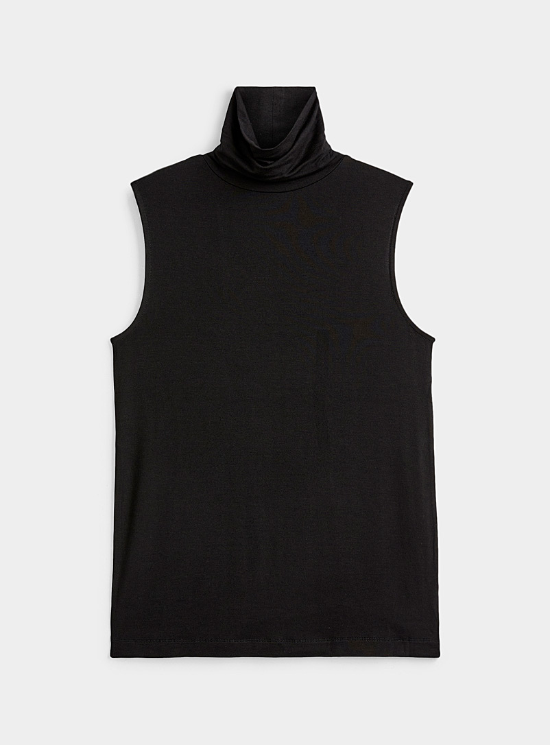 Solid jersey sleeveless turtleneck