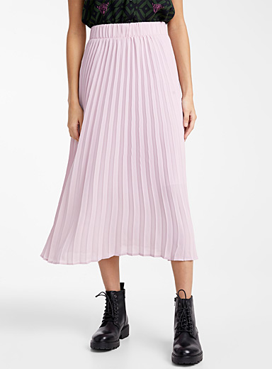 Pleated area skirt