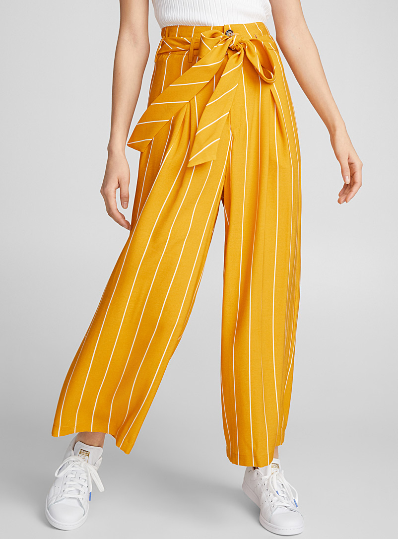 belted-pleated-loose-pant