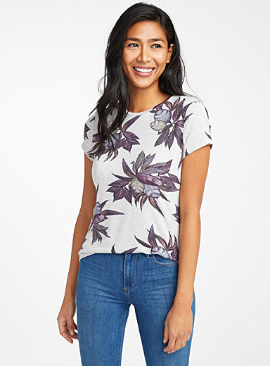 Floral fragrance tee