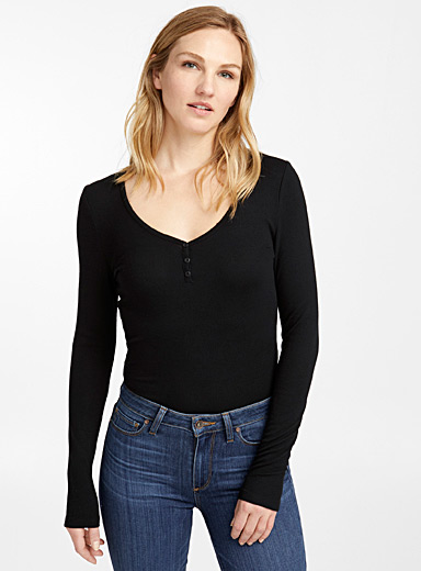 Buttoned collar ribbed bodysuit