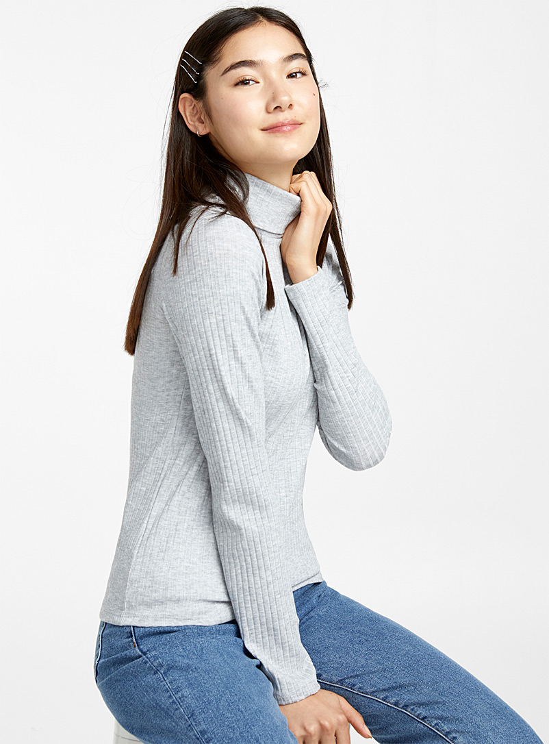 ribbed-turtleneck-tee