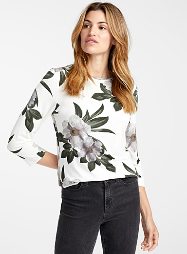 Captivating flower tee