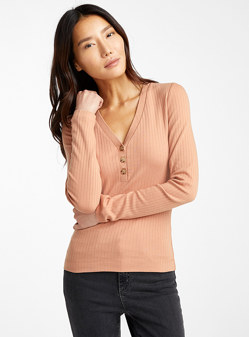 Contemporaine Dusky Pink Buttoned organic cotton ribbed tee for women