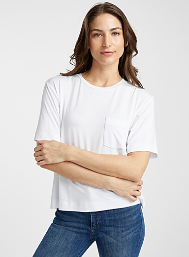 Loose patch pocket tee