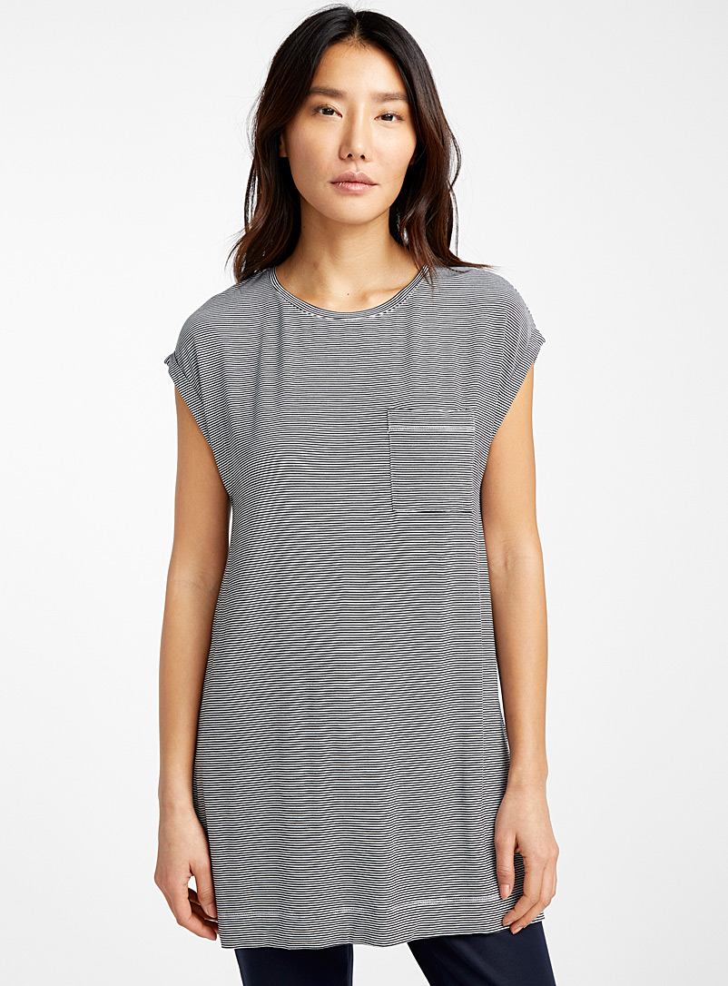 Contemporaine Black and White Oversized eco-friendly viscose tee for women