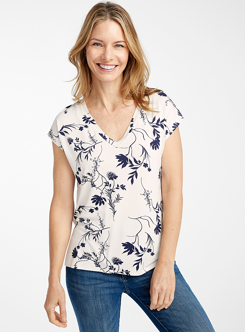 Contemporaine Patterned White Pretty pattern eco-friendly viscose tee for women